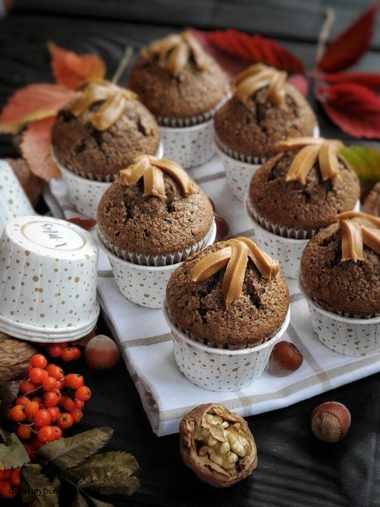 Babeczki orzechowo-czekoladowe