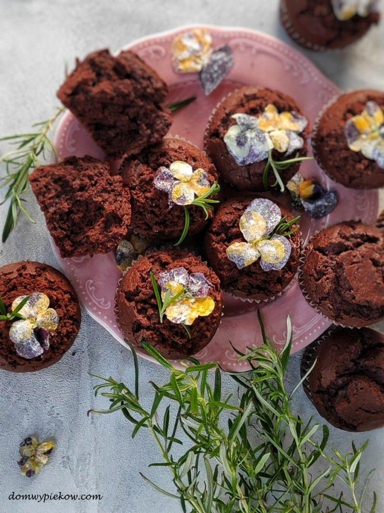 Wiosenne czekoladowo-jogurtowe babeczki